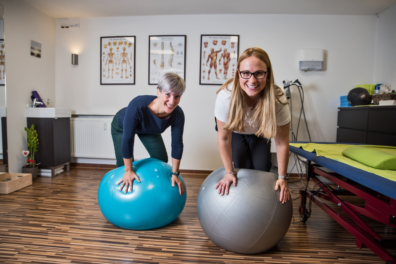 certifikované fyzioterapeutky Adéla a Olga